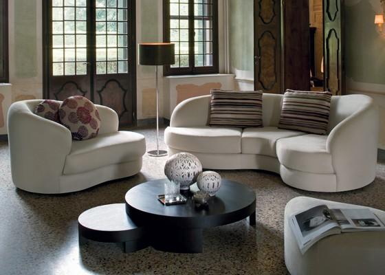 Овален диван Piano от Диванидеа
