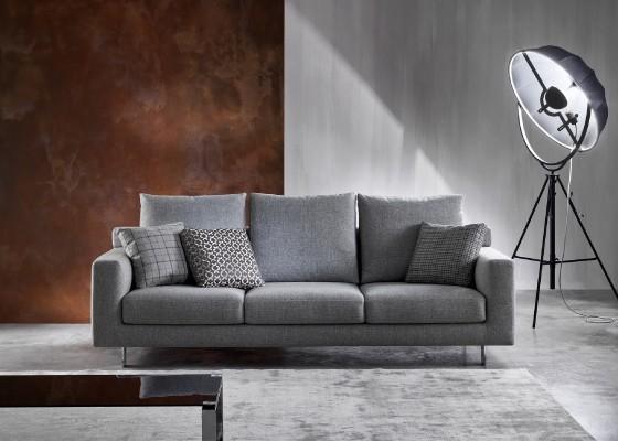 Италиански диван Scala с възглавници от гъши пух