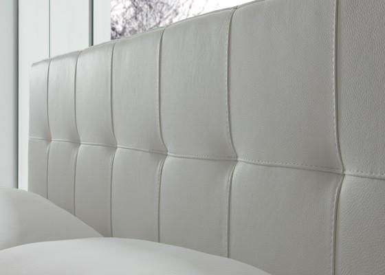 Спалня Matisse с капитонирана табла и покритие от естествена кожа и стоманена подматрачна рамка