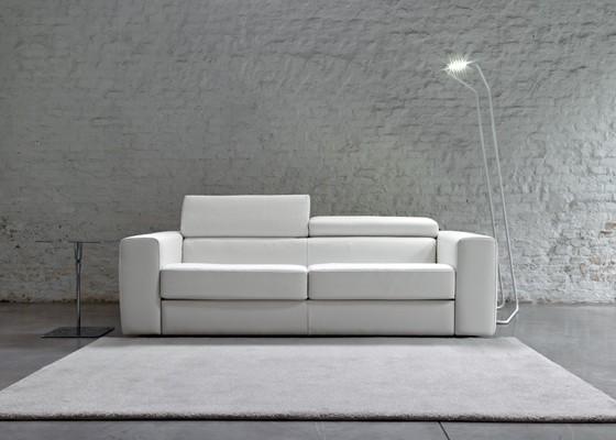 Разтегателен диван спалня queen с механизъм Relax за движение на възглавницата за глава