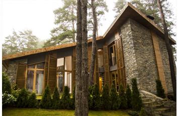 """Проект """"Къща сред дърветата"""""""